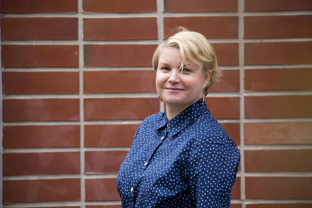 Kuvassa on Setan nuorisotyön koordinaattori Lotte Telakivi.